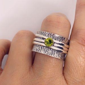 Peridot Spinner Artisan Ring 925 Sterling Silver